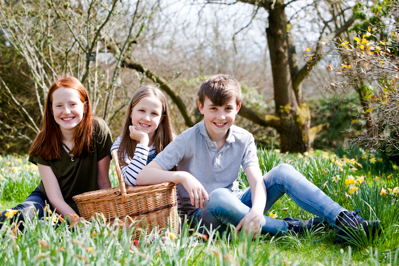 Spring portraits with a family of cousins at Emmetts Garden